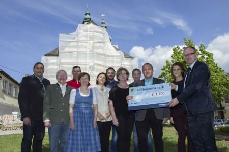 Spende für die Kirchensanierung von den Gewerbetreibenden St. Agatha